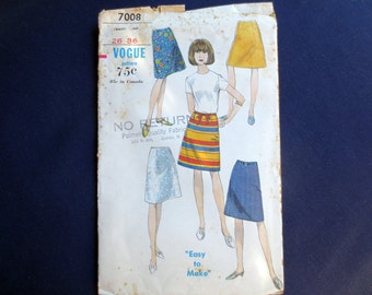 1960s Easy A-Line Mini Skirt Vintage Pattern, Vogue 7008, Waist 26
