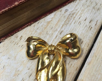 Gold Bow Brooch, Gold Bow Pin, Gold Ribbon Brooch, Bow Shape Brooch, Gold Ribbon Pin, Christmas Brooch, Gold tone Bow, Holiday Pin, Brooch