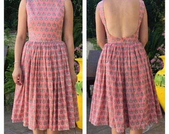 1950s dress / 50s dress/ 60s dress / bridesmaid dress / pinup dress / fit and flare/ swing dress / circle skirt / midi dress / retro dress