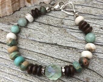 Rocky Beach knotted bracelet