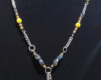 Yellow swarovski heart and hematite magnets necklace