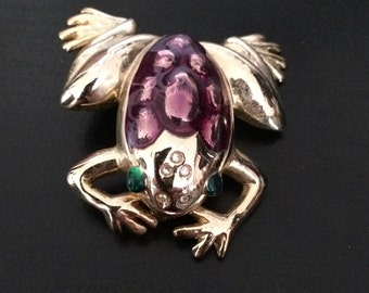 Gorgeous Frog Brooch