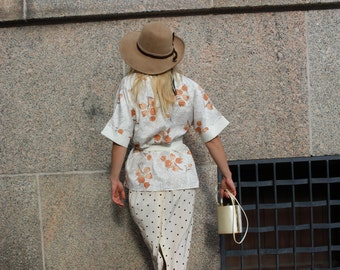 VINTAGE Asian floral printed kimono top / jacket with belt in white and orange