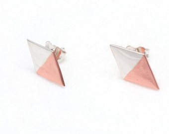 Earrings : 01.01.Diamond09X14