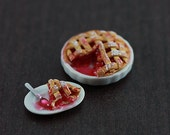 Lattice Cherry Pie - 1/12 Dollhouse Miniature Dessert
