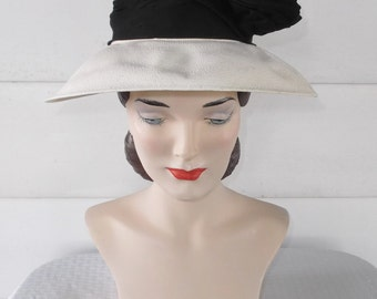 30s 40s Vintage Black and White Straw Fedora Hat