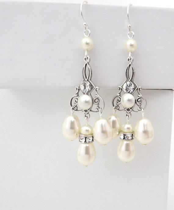 Chandelier Bridal earrings, Pearl Wedding earrings, Wedding jewelry, Swarovski crystal earrings, Vintage style earrings, Silver Filigree