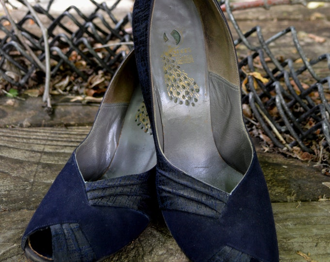 Vintage 1940s Navy Blue Peep Toe Shoes, Suede Shoes, Swing Dance Shoes, World War II Shoes, Size 81/2 Shoes,
