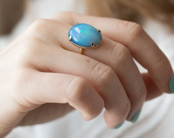 October's birthstone: opal