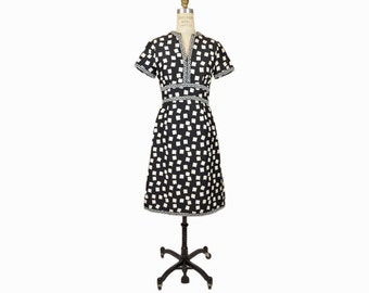 sale! 50% off - Vintage Embellished 60s/70s Party Dress in Black & White / Shannon Rodgers for Jerry Silverman - women's xs/small