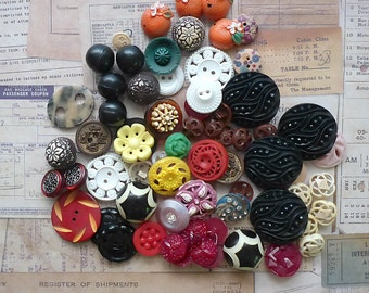 Sculpted Plastic Sewing Button Lot, Retro Vintage