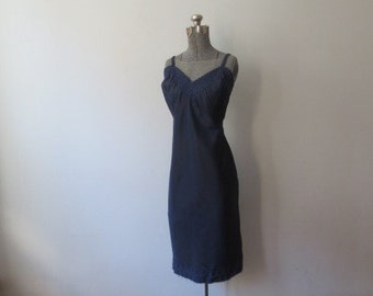Gorgeous Vintage Carol Brent Zippered Navy Blue Nylon Full Slip, 44, Large