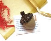 Legend of the Acorn / Ceramic Pottery Aromatherapy Diffuser, Newlywed Housewarming Hostess Gift, Nature Harvest Decoration, Stocking Stuffer