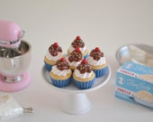 1:6 Scale Sweet Petite Play Scale Miniature Ice Cream Sundae Cupcakes