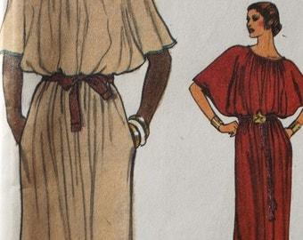 Spot on Dress with dolman sleeves  and maxi length dress pattern Very Easy Very Vogue 7265 uncut