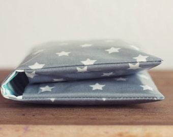 Windeltasche/ Diaper bag aus Wachstuch - graue Sterne - Wickeltasche -