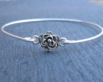 Silver or Gold Flower Bangle Bracelet, Flower Bracelet, silver flower jewelry, Stackable bangle jewelry, trending jewelry, Silver jewelry