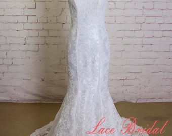 Ivory Wedding Dress with Spaghetti straps Mermaid style Wedding Dress Classic Lace Bridal Gown