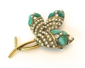Large Gold Flower Vintage Leaf Brooch - Pin with Green Glass Stones and Faux Pearls