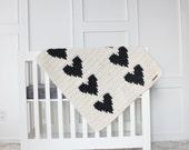 Chunky Knit Heart Blanket ~ Cream & Black