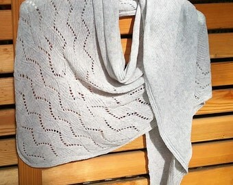 Silberfarbener scarf / cloth from cashmere - silk mix / neck scarf