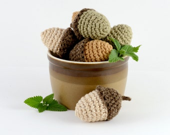 Refillable Catnip Acorn, Crocheted Cat Toy with Seed Paper
