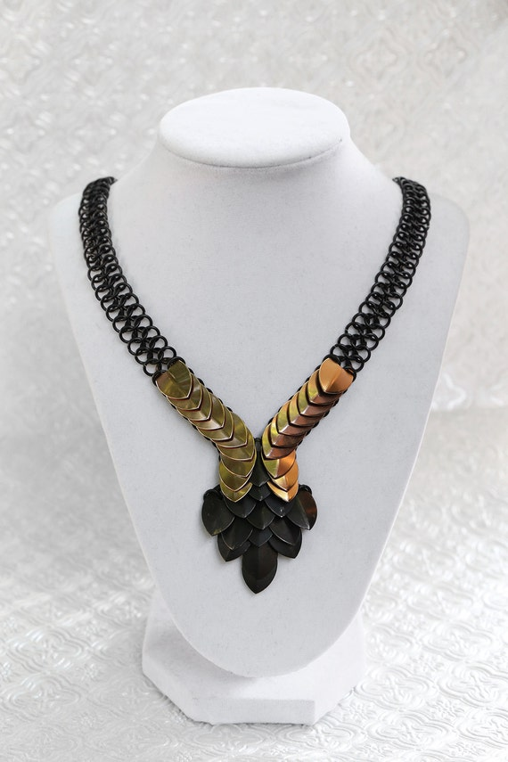 Black and Gold Scalemaille Chainmaille Necklace - Scale Jewelry - Gothic Jewelry - Costume Jewelry - Handmade Jewelry - Dragon Scale