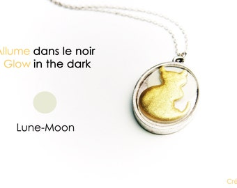 Glow in the dark necklace,cat necklace,cat pendant,cat jewelry,resin,cat cameo,glow,cat glow in the dark,unique necklace,cat and moon