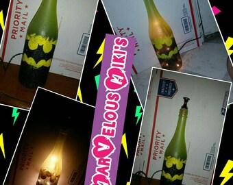 Upcycle bottle lamp superhero style