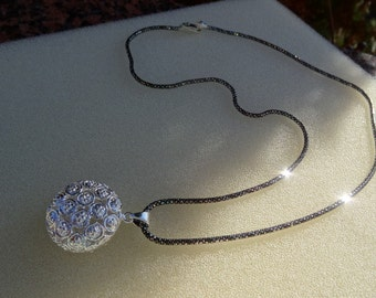 925 Silver necklace with ornament pendant!