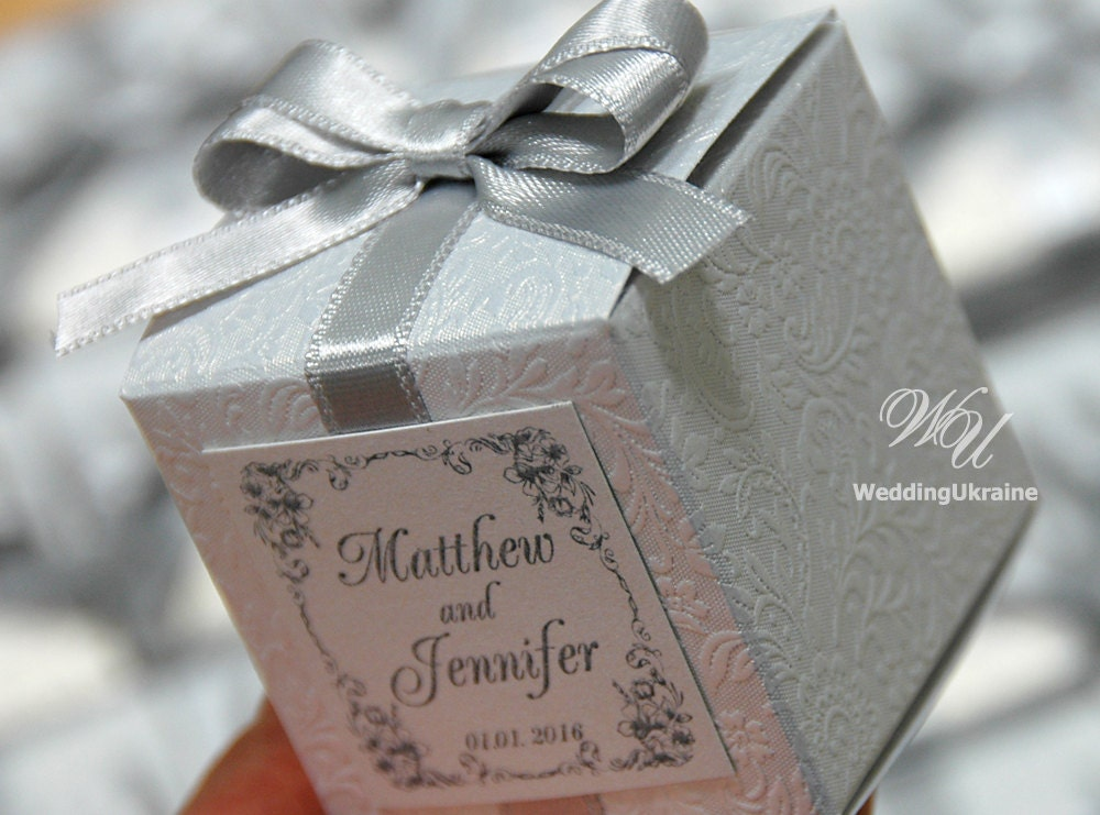Favor Gift Boxes: Wedding Bonbonniere Favor Box With Silver Bow White Candy
