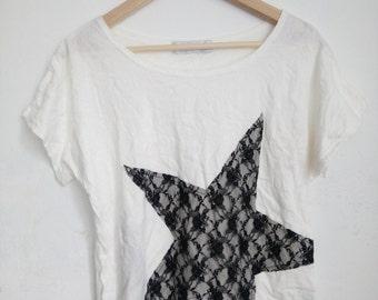 Vintage 90s Ehyphen World Gallery big star nets womens t-shirt
