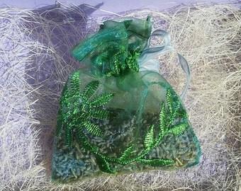 Bag of lavender/smells like laundry