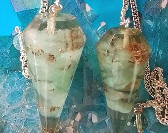 2 Large Powerful Orgone  GREEN AVENTURINE Crystal Point Dowsing PENDULUMS,  With 2  Pouches, Divination, Orgonite