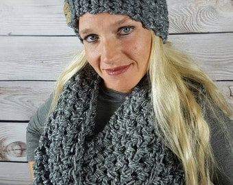 Crochet Infinity Scarf, Circle Scarf, Loop Scarf, Crochet Cowl Scarf, Heather Gray Infinity Scarf, Can be worn 2 different ways!