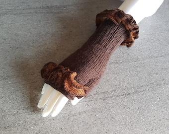 Brown wristlets/fingerless gloves/mittens decorated with  beige, brown, chestnut threads