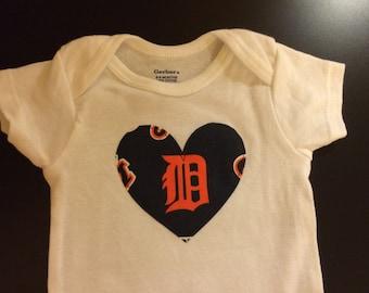 Detroit Tigers Heart Onesie, size 6-9M