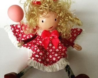 Little wooden dolly (PG7)