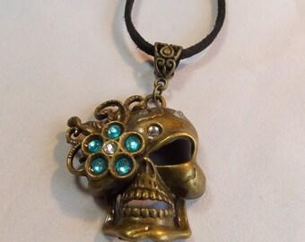 Glamourous Lady Skull Pendant