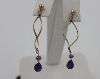 Dangeling Amethyst earring yellow gold 10 kt