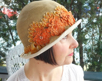 Beautiful 1920's/Flapper/Great Gatsby Straw Cloche with Orange Flowers