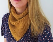 Handknitted triangle tube cowl for adult 100% wool - yellow gold