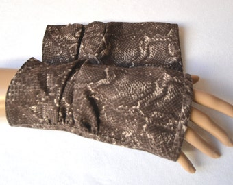 fingerless gloves,snakeskin gloves,snakeskin design gloves, arm warmers, fingerless mittens