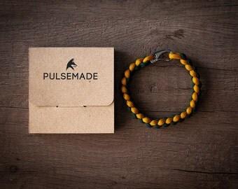 Men's Women's bracelet-mustard-emerald green-Pulsemade weave-Handmade paracord 550 Bracelet Mens-Womens Goldenrod-Emerald green