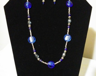 Vibrant blue necklace and earring set