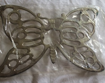 Butterfly trivet