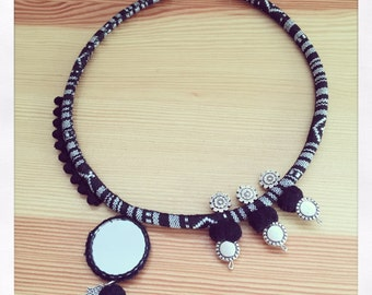 Ethnic necklace black boho.