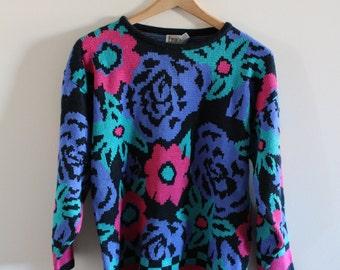 Vintage 80s floral print sweater!