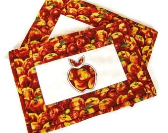 Quilted Apple Mug Rugs - Set of Two; Harvest Snack Mats; Quilted Autumn Trivets; Thanksgiving Gifts