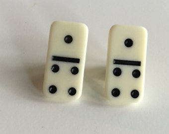 1:4 Small Domino Brooch Pin